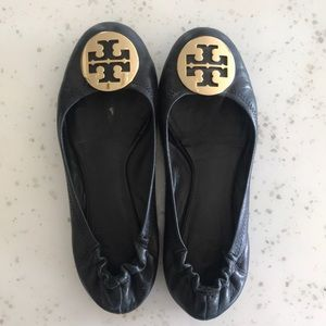Tory Burch Reva black and gold size 6